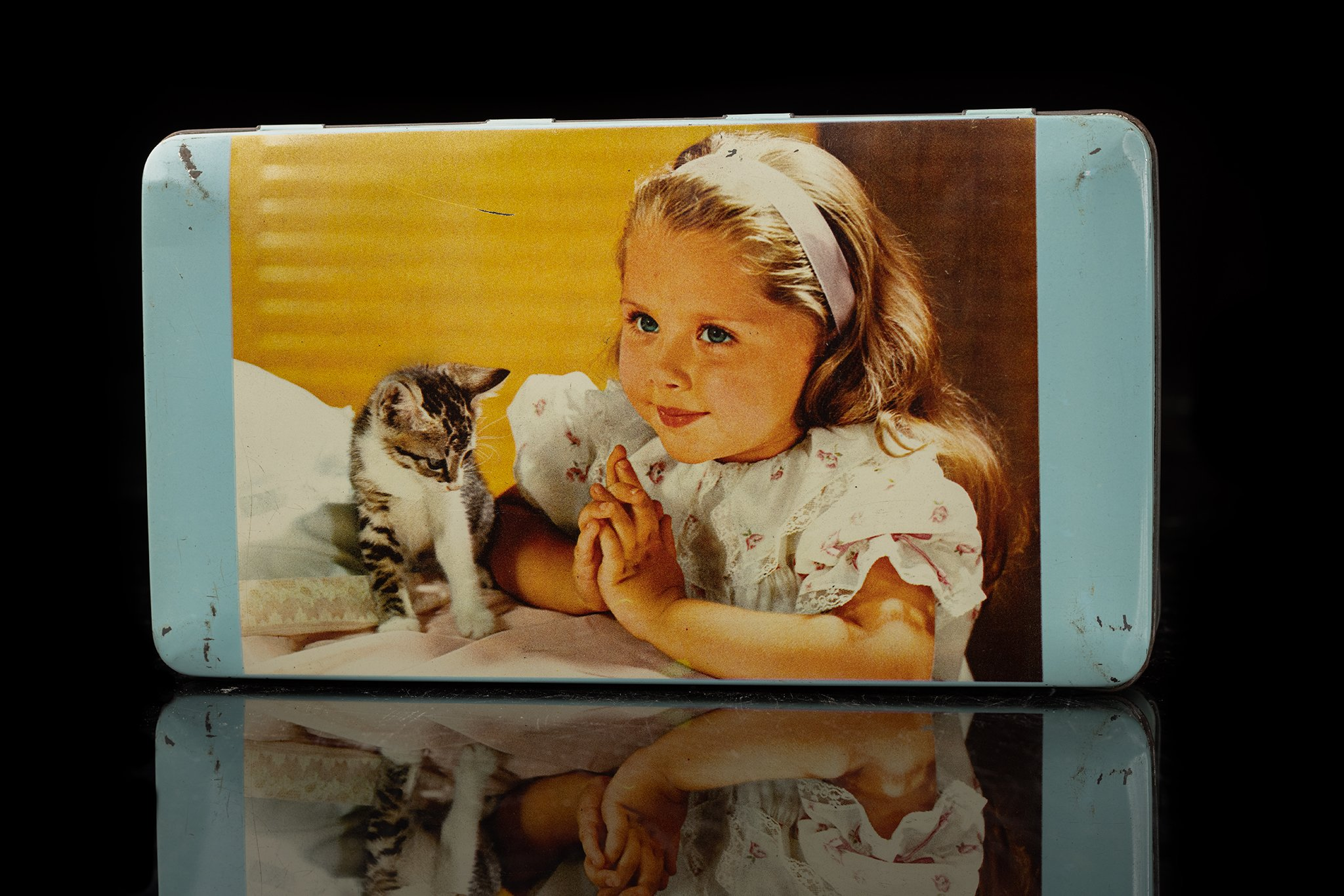 Vintage-tin-cat-box-8
