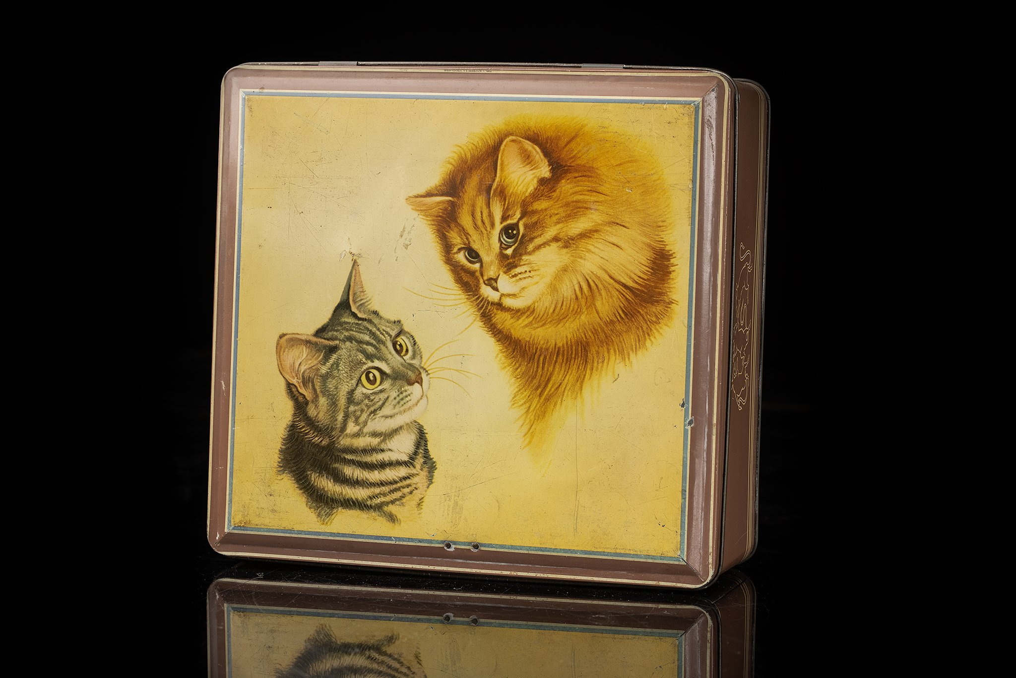 Vintage-tin-cat-box-duo