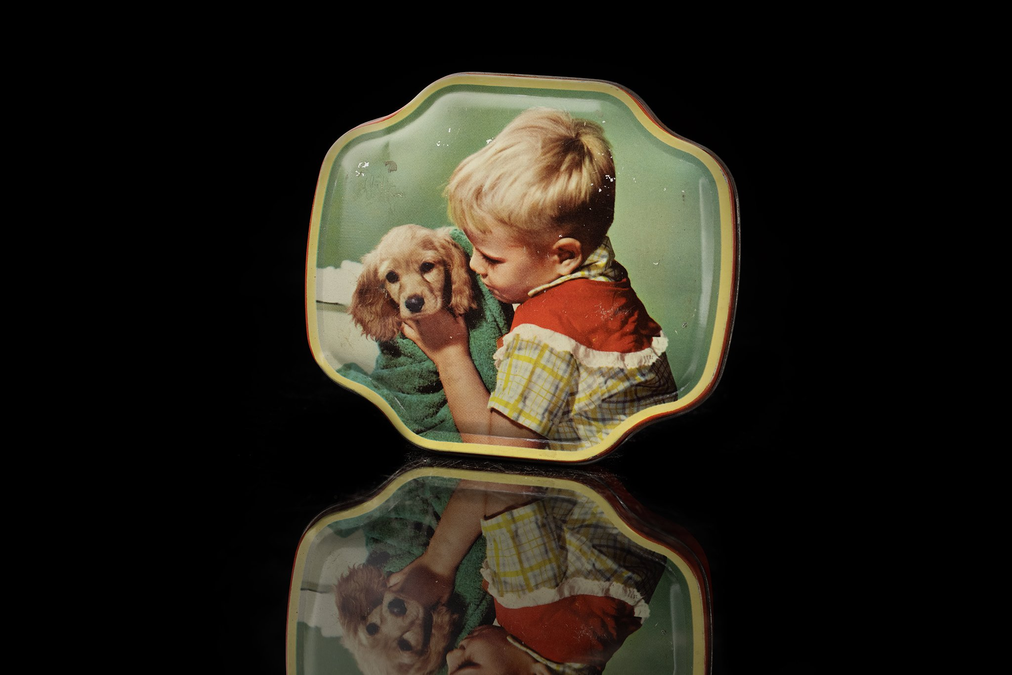 Vintage-tin-dog-box-22