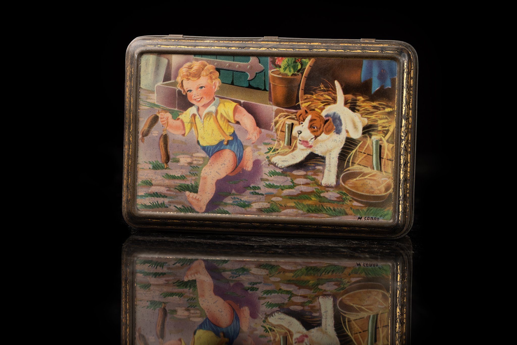 Vintage-tin-dog-box-43