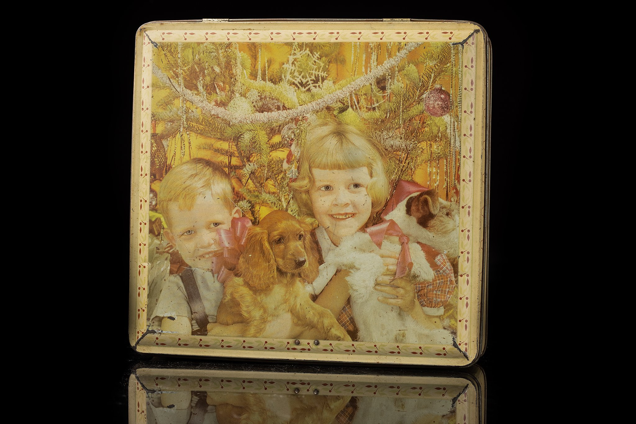 Vintage-tin-dog-box-brother-and-sister