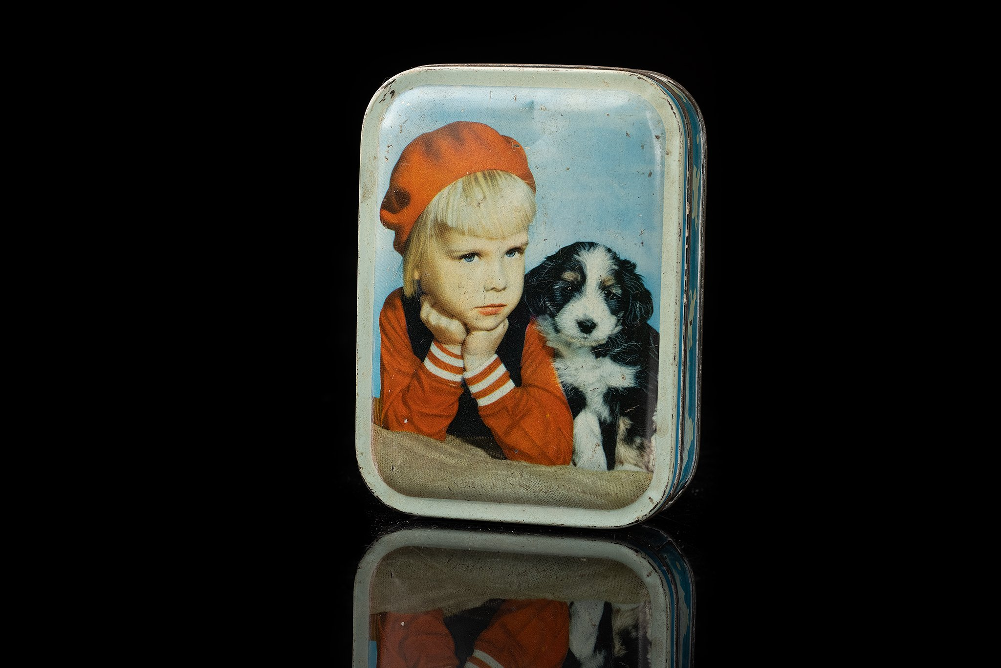 Vintage-tin-dog-box-child-and-berner-pup