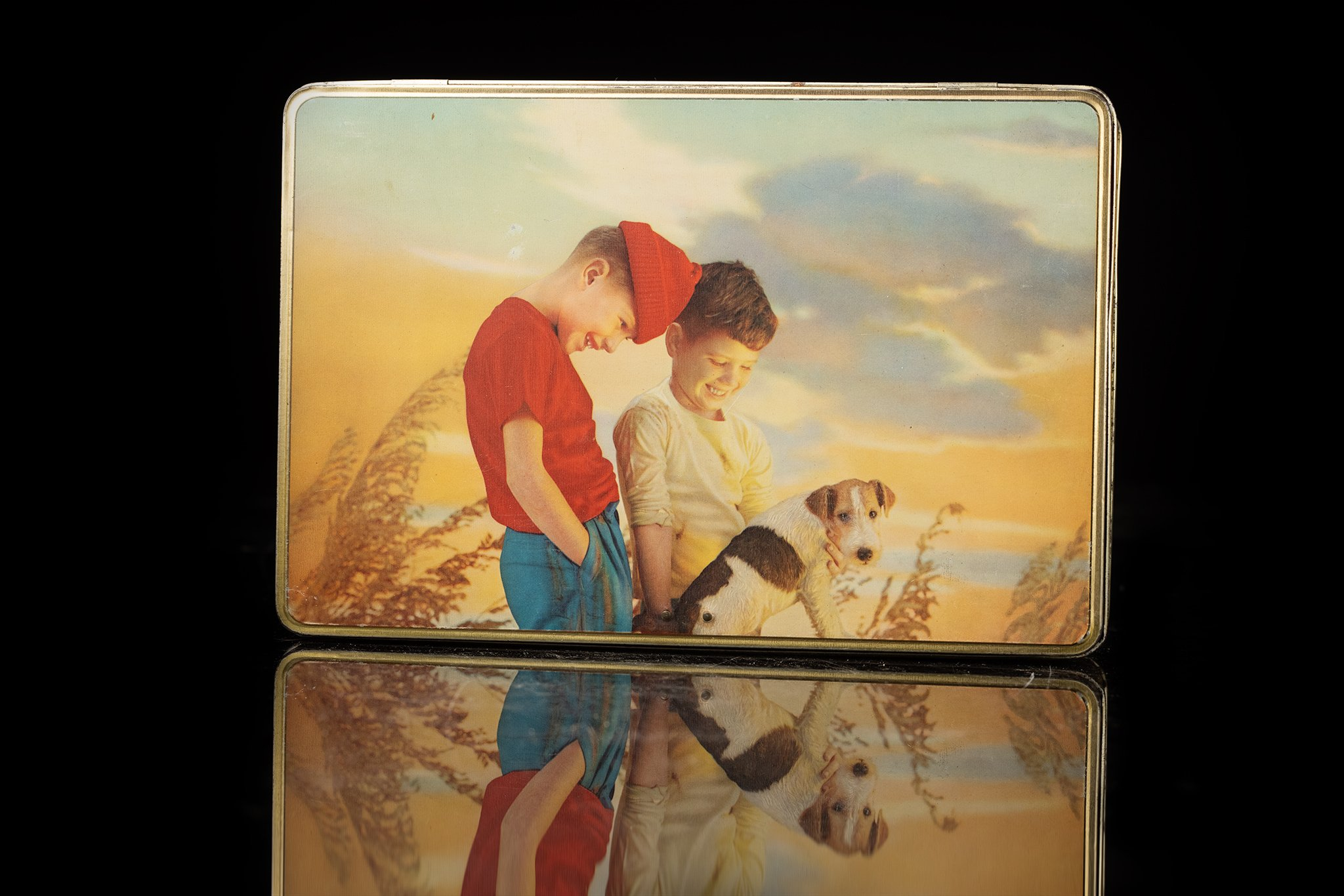 Vintage-tin-dog-box-children