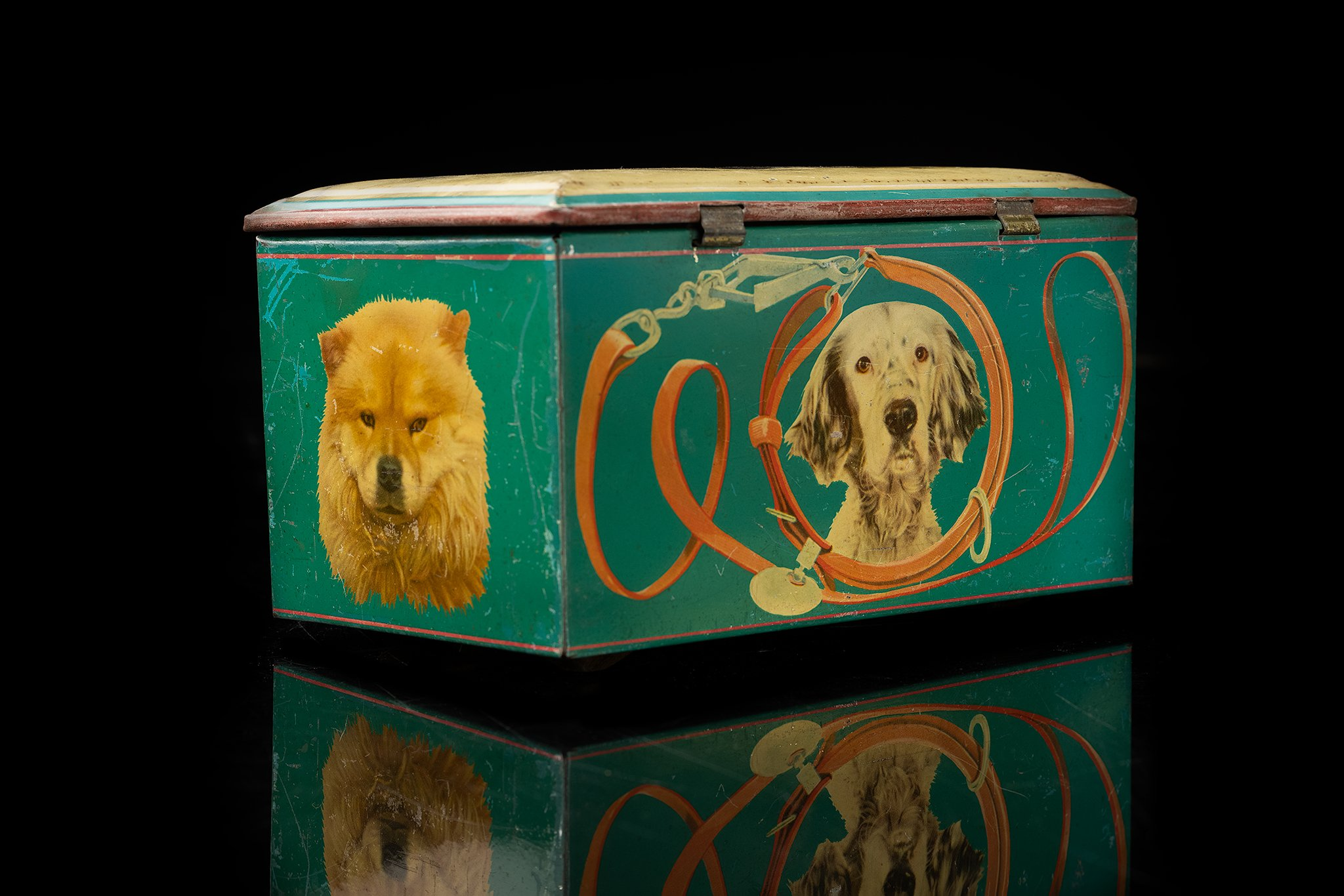 Vintage-tin-dog-box-german-shepherdal