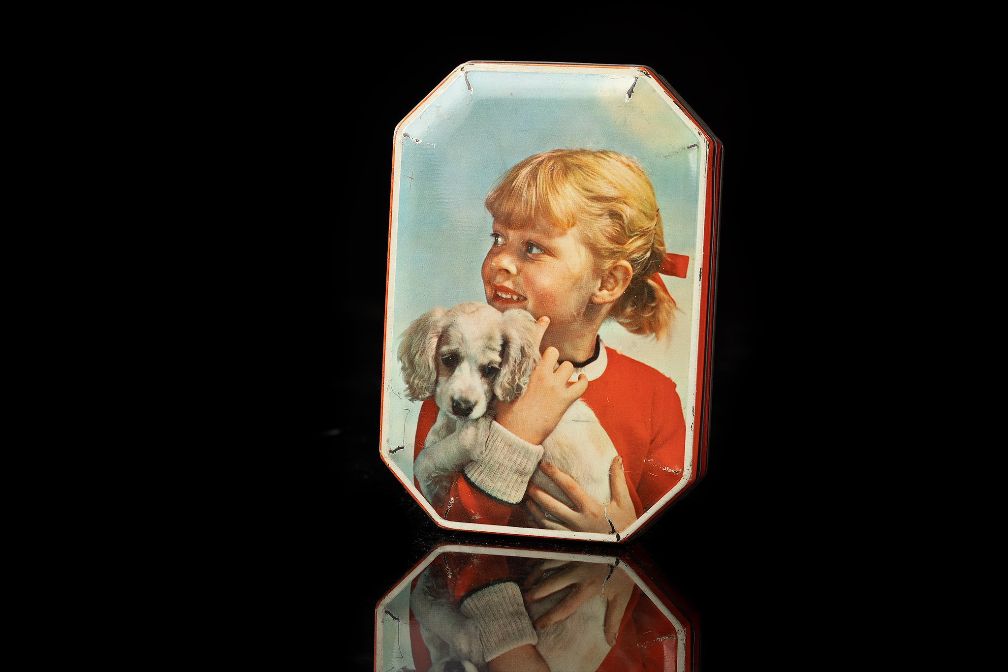 Vintage-tin-dog-box-kid-and-dog