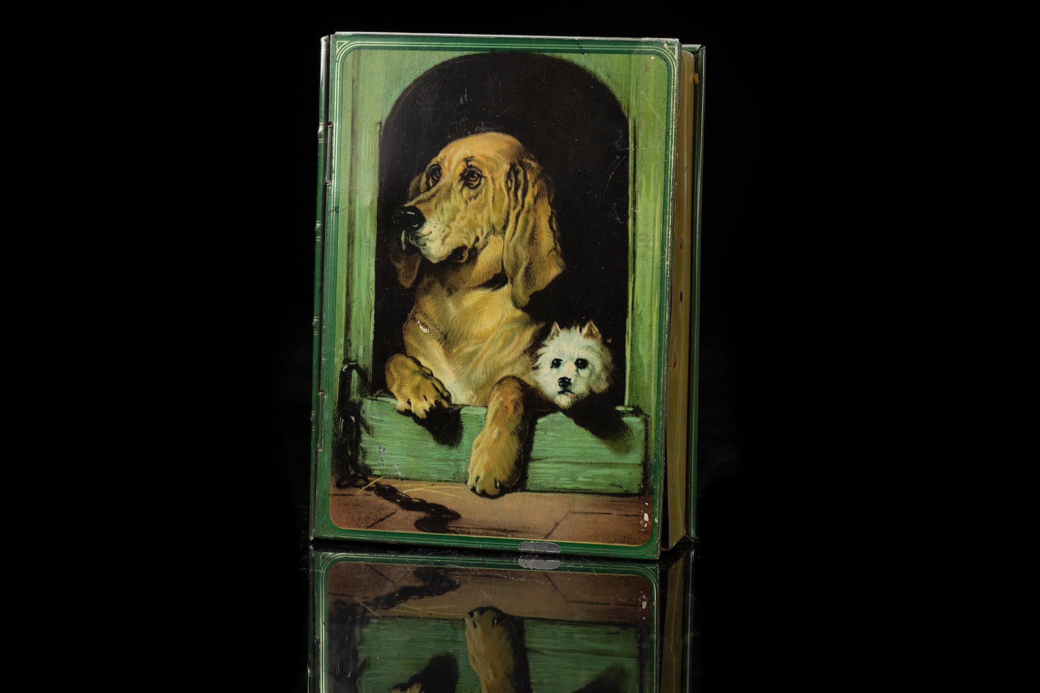 Vintage-tin-dog-box-spaarpot