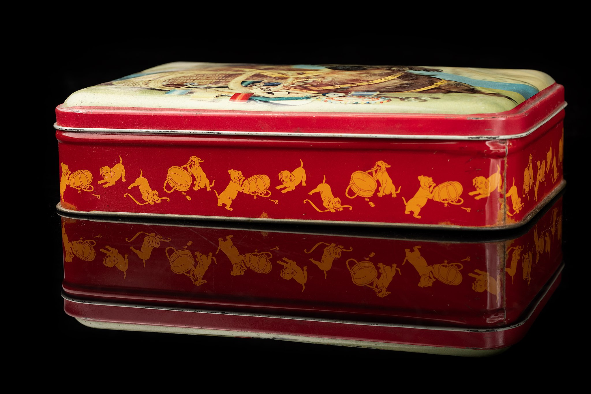 Vintage-tin-dog-box-tibetan-spaniel-al