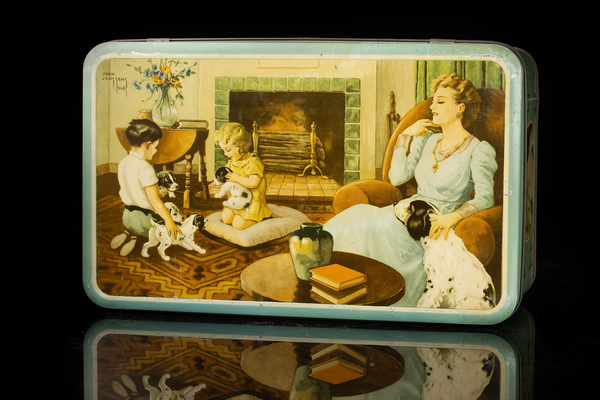 Vintage-tin-dog-family